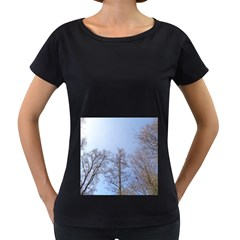 Large Trees in Sky Women s Loose-Fit T-Shirt (Black)