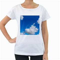 Bright Blue Sky 2 Women s Loose-Fit T-Shirt (White)