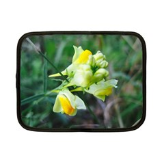 Linaria Flower Netbook Sleeve (small)