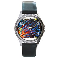 The Looking Glas Round Metal Watches