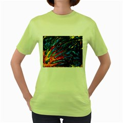 The Looking Glas Women s Green T Shirt