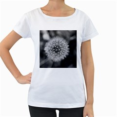 Modern Daffodil Seed Bloom Women s Loose-Fit T-Shirt (White)