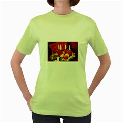 Holiday Candles  Women s Green T-Shirt