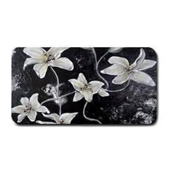 Black And White Lilies Medium Bar Mats