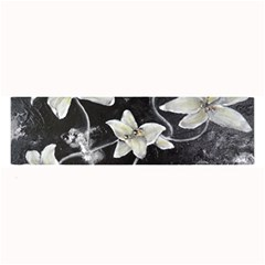 Black And White Lilies Large Bar Mats