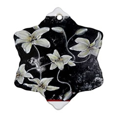 Black And White Lilies Snowflake Ornament (2 Side)