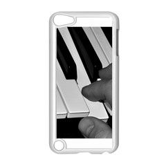 The Piano Player Apple Ipod Touch 5 Case (white)