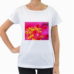 Bright Pink Hibiscus Women s Loose-Fit T-Shirt (White)