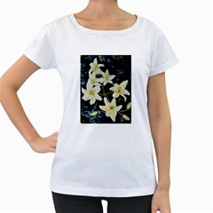 Bright Lilies Women s Loose-Fit T-Shirt (White)