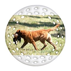 Chesapeake Bay Retriever Retrieving Ornament (round Filigree)
