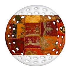 India Print Realism Fabric Art Ornament (Round Filigree)