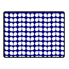 Blue And White Leaf Pattern Fleece Blanket (small)