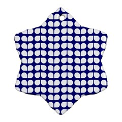 Blue And White Leaf Pattern Snowflake Ornament (2-Side)