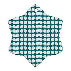 Teal And White Leaf Pattern Ornament (snowflake)