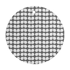 Gray And White Leaf Pattern Round Ornament (two Sides)
