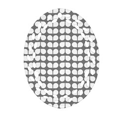 Gray And White Leaf Pattern Ornament (oval Filigree)