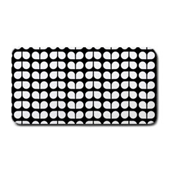 Black And White Leaf Pattern Medium Bar Mats