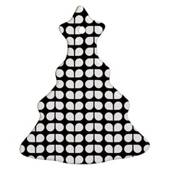 Black And White Leaf Pattern Christmas Tree Ornament (2 Sides)