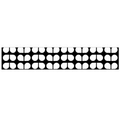 Black And White Leaf Pattern Flano Scarf (large)