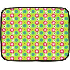 Cute Floral Pattern Fleece Blanket (mini)
