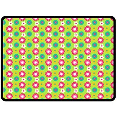 Cute Floral Pattern Double Sided Fleece Blanket (large)