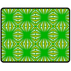 Retro Green Pattern Double Sided Fleece Blanket (Medium)