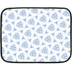 Sweet Doodle Pattern Blue Fleece Blanket (Mini)