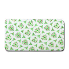 Sweet Doodle Pattern Green Medium Bar Mats