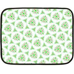 Sweet Doodle Pattern Green Fleece Blanket (Mini)