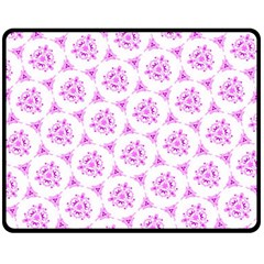 Sweet Doodle Pattern Pink Fleece Blanket (Medium)