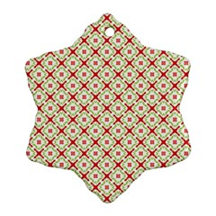 Cute Seamless Tile Pattern Gifts Ornament (Snowflake)