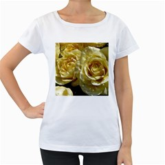 Yellow Roses Women s Loose Fit T Shirt (white)