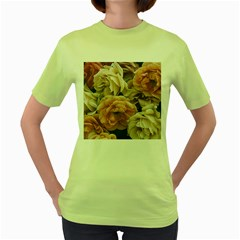 Great Garden Roses, Vintage Look  Women s Green T Shirt