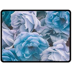 Great Garden Roses Blue Fleece Blanket (Large)