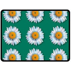 Daisy Pattern  Double Sided Fleece Blanket (Large)