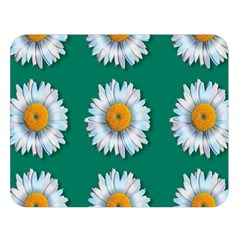 Daisy Pattern  Double Sided Flano Blanket (Large)