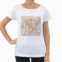 Delicate Floral Pattern,softly Women s Loose-Fit T-Shirt (White)