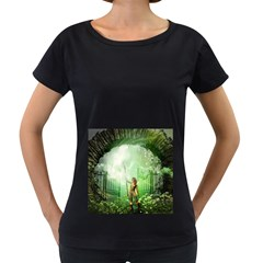 The Gate In The Magical World Women s Loose-Fit T-Shirt (Black)