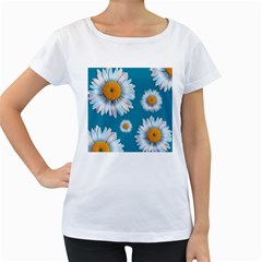 Floating Daisies Women s Loose-Fit T-Shirt (White)