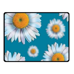 Floating Daisies Fleece Blanket (small)