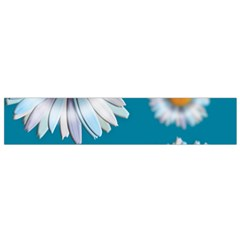 Floating Daisies Flano Scarf (small)