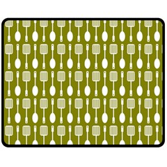 Olive Green Spatula Spoon Pattern Fleece Blanket (medium)