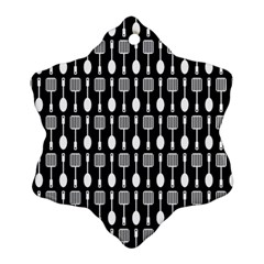 Black And White Spatula Spoon Pattern Snowflake Ornament (2-Side)
