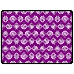 Abstract Knot Geometric Tile Pattern Double Sided Fleece Blanket (Large)