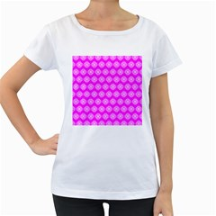 Abstract Knot Geometric Tile Pattern Women s Loose-Fit T-Shirt (White)