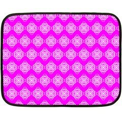 Abstract Knot Geometric Tile Pattern Fleece Blanket (Mini)