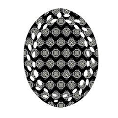 Abstract Knot Geometric Tile Pattern Oval Filigree Ornament (2 Side)