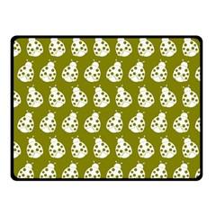 Ladybug Vector Geometric Tile Pattern Fleece Blanket (small)