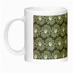 Gerbera Daisy Vector Tile Pattern Night Luminous Mugs