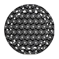 Black And White Gerbera Daisy Vector Tile Pattern Round Filigree Ornament (2Side)